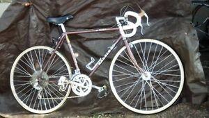 "1986 Vintage Raleigh  Aiyeska Touring Road Bike 56cm - 23inch 27"" X 1.25"" Wheel"