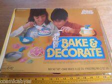 1975 Pillsbury Bake and Decorate set Dough Boy toy cake decorating HTF