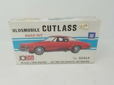 Vintage JOHAN Red Oldsmobile Cutlass SNAP-KIT 1/25 Model Factory Sealed USA MADE