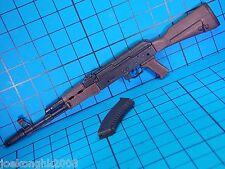 Hot Toys 1:6 VGM07 Biohazard 5 Sheva Alomar Figure - AK47 Machine Gun