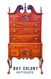 20TH C CHIPPENDALE ANTIQUE STYLE MAHOGANY BONNET TOP HIGHBOY DRESSER / CHEST