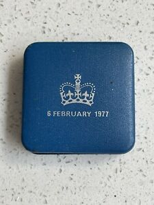 Vintage Old H M Queen Elizabeth 11 Silver Jubilee Commemorative Coln