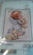 Little Angel es un lienzo de punto de cruz (Anchor/Hilos Dmc)
