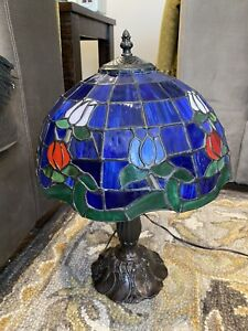 "RARE Stained Glass Cobalt Blue Tulip Floral Tiffany Like Table Lamp 17"" Tall"