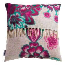 Cuscini multicolore Desigual per la decorazione della casa