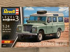 +++ Revell 07047 Land Rover Series III 1:24 07047