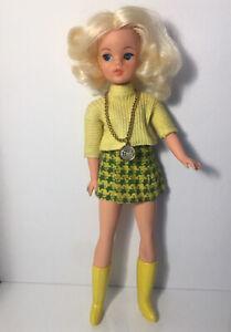 Pedigree Sindy Doll Trendy Girl Walker 1970s