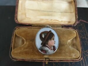 STUNNING ANTIQUE DOUBLE SIDED PORTRAIT/CAMEO PENDANT