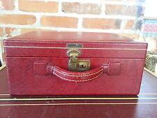 Vtg  Red Shortrip mirrored Make-Up /overnight train Case luggage locking w/ keys