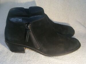 Women's Genuine Leather Ankle Boots by Vionic - Worn  a Couple of Times - Sz 8