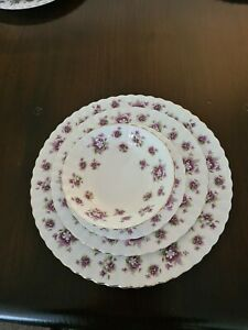 ROYAL ALBERT SWEET VIOLETS 6 PERSON DINNER AND TEA  SETTING.  MADE IN ENGLAND