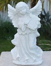 Statue ange avec lyre en pierre reconstituée, ton pierre blanche