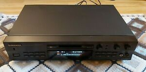 Pioneer MJ-D707 / Minidisc Player/Recorder .Digital Inputs: coaxial, optical