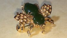 BEE BROOCH/PENDENT GOLD TONE & FAUX JADE