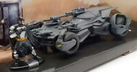 Jada 1/43 Scale Model Car 31706 - Justice League Batmobile & Batman