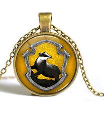 Amazing Harry Potter Hogwarts School Hufflepuff Pendant with Luxury Velvet Bag