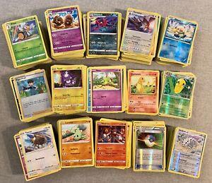 Pokémon TCG Bulk - ca. 350 Karten diverser Editionen - DE/EN - Sammlung + 2 Pins