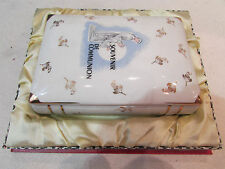 ancienne boite coffret en porcelaine en forme de livre souvenir de communion