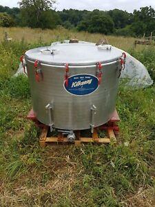 Milk bulk tank