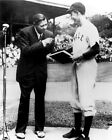 """GEORGE H.W. BUSH AND """"BABE"""" RUTH AT YALE IN 1948 - 8X10 PHOTO (EP-994)"""