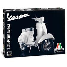 Italeri Vespa 125 Primavera Scooter Model Kit - Scale 1:9 - 4633