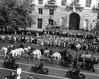 FRANKLIN D. ROOSEVELT FUNERAL PROCESSION IN 1945 - 8X10 PHOTO (EP-778)