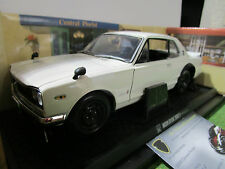 NISSAN  SKYLINE 2000 GT-R KPGC10 1/18 KYOSHO 08121W voiture miniature collection