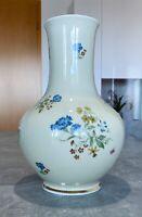 VEB Lichte Blumenvase aus Porzellan mit Goldrand Blumen Handbemalt Vintage 30cm