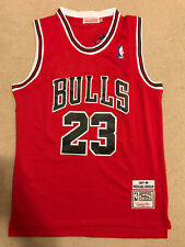 Michael Jordan #23 Throwback Chicago Bulls Red Mens Jersey