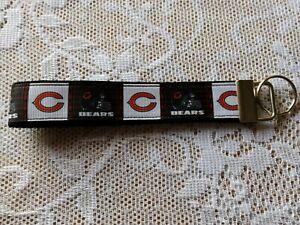 CHICAGO BEARS KEYCHAIN / ZIPPER PULL STRAP / WRIST LANYARD * NFL FOOTBALL