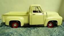 ROAD TOUGH CREAM COLOR 19+53 FORD F100 PICKUP TRUCK 1:18 #92148 DIECAST CAR SH5C