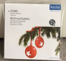 KOZIOL GERMAN CHRISTMAS ORNAMENTAL STARS IN 2 RED & GOLD HANGING CIRCLES -BNWT