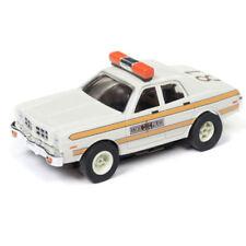 AUTO WORLD XTRACTION R21 1977 DODGE MONACO ILLINOIS STATE POLICE HO SLOT CAR