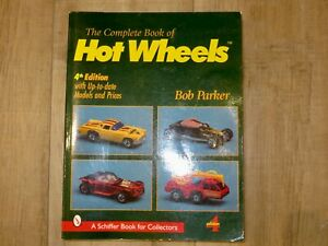 Complete Book of Hot Wheels 4th edition w/ Values & 686 color photos, Guidebook
