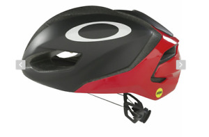 Mens Oakley ARO5 size LARGE Red