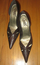 CARLOS SANTANA Ladies Brown Leather Pump ~ SZ 9M ~ Lovely!