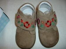 NIB Stride Rite Baby Heidi Taupe Suede Leather Shoes Boots Hook & Loop Size 6W