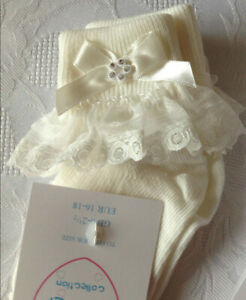 Newborn Baby Girls Socks with Lace and Diamanté's size 0-0 Ivory