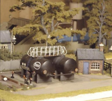 Ratio 529 Oil Depot Plastic Kit OO Gauge