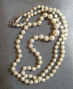 14K White Gold Clasp Cultured Pearl Strand Safety Chain Graduated