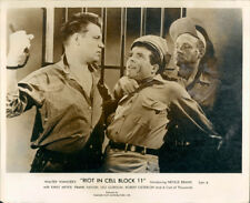 RIOT IN CELL BLOCK H NEVILLE BRAND SLUGS GUARD LOBBY