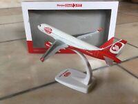 Niki / Air Berlin Airbus A320 1:200 Herpa Snapfit OE-LEY Inc Ovp + Ständer