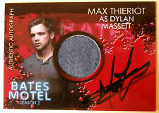BATES MOTEL - MAX THIERIOT as Dylan Massett - Costume + Autograph Card - CAMT