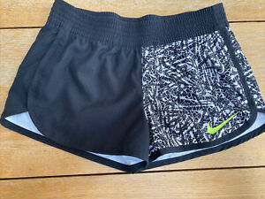 Ladies Nike Shorts Size Small