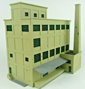 Built N Scale Walthers Cornerstone Red Wing Milling Company factory building