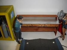 1/18 scale - Wooden WORKBENCH YOUR SHOP/GARAGE/DIORAMA