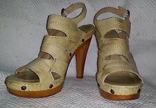 FRYE Dara Campus Stitch US 10 Antiqued Natural Leather High Heels Sandals UNWORN