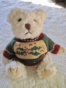 Russ Berrie & Co Plush Sitting Bear with Sweater 5""