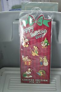 Disney Pin  Limited Edition Happy Holidays 2007 Collectors Set - New in Package