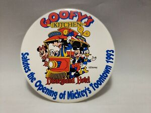 Vintage DISNEY PINBACK BUTTON 1993 Goofy's Kitchen Opening of Toontown